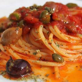 cucina-spaghetti-all-eoliana